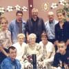 FAMILLE DE ROMEO VEILLEUX 1re rangée: Joanie Tremblay, Eric Veilleux,